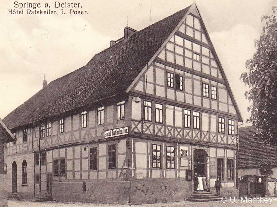 In 1912 the Ratskeller is still used as hotel. On the left hand side the annex of the late brewery is marked by the missing timber frame on the ground floor level.
